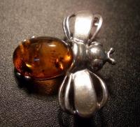 Брошь. Муха - Янтарь , Изделия из серебра