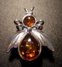 Brooch. Bee - Amber , Silverware