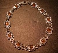 Браслет. Янтарь цвет натуральный. Форма ажурный квадрат - Янтарь , Изделия из серебра