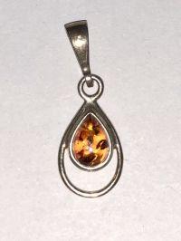 Podveska. Yantar. Kamen naturalnogo tsveta - Amber , Silverware