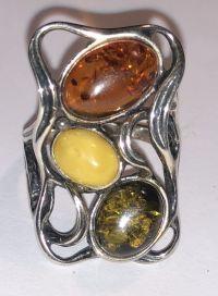 Кольцо прямоугольной формы. Три камня. Янтарь натуральный, зеленый и желтый. - Янтарь , Изделия из серебра